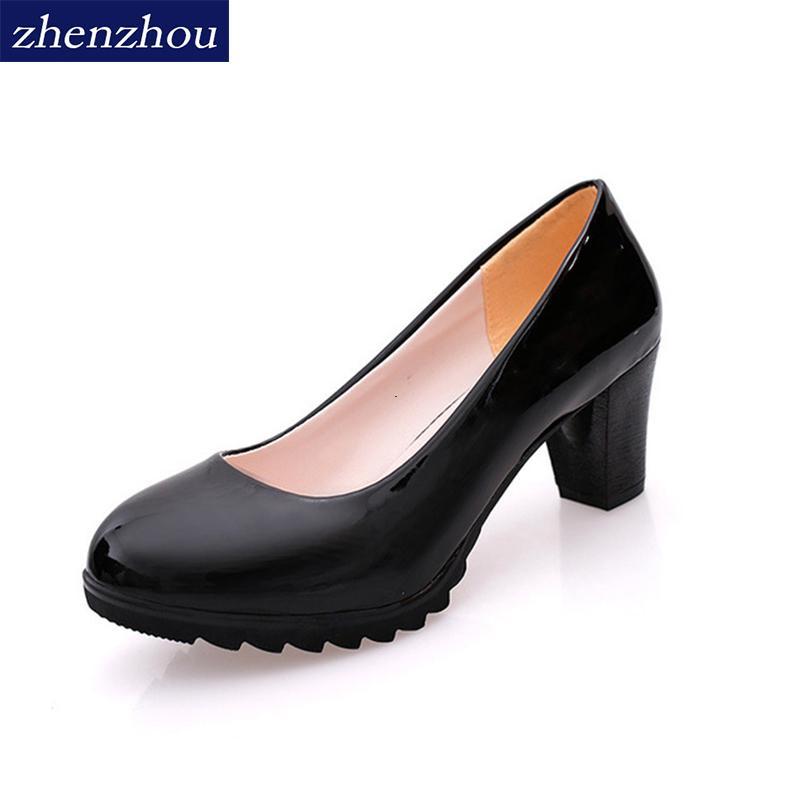 Bombas saltos altos 2019 sapatos de senhora Outono nova plataforma impermeável A boca rasa cabeça redonda sapatos único OL sapatos femininos