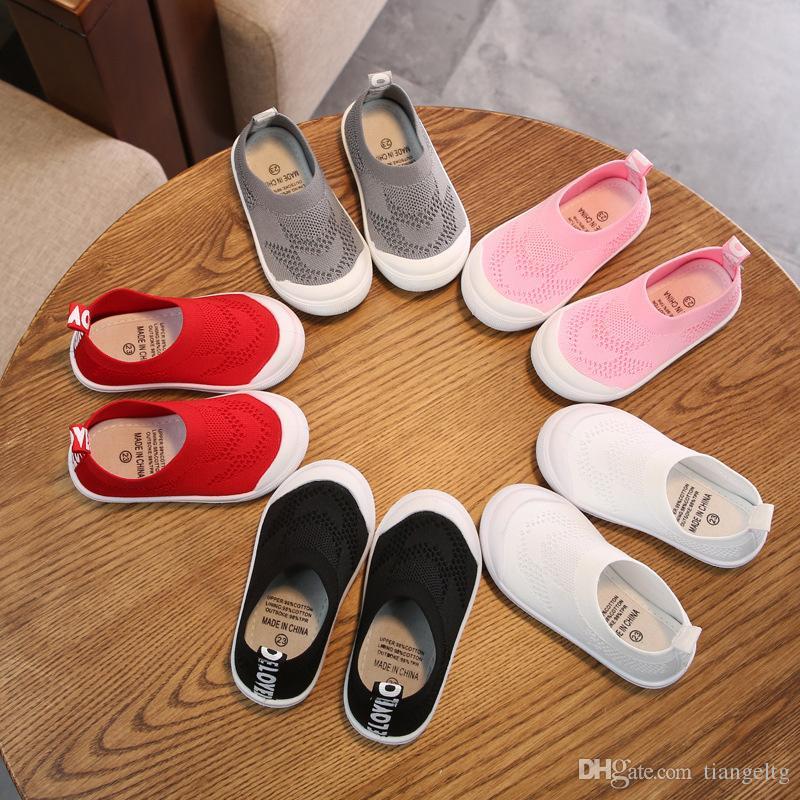 Chaussettes plates d'été pour bébé Tissu tissé de couleur unie Chaussettes tricotées Chaussure Chaussons respirants pour bébé Chaussures à manches élastiques Chaussures pour enfants