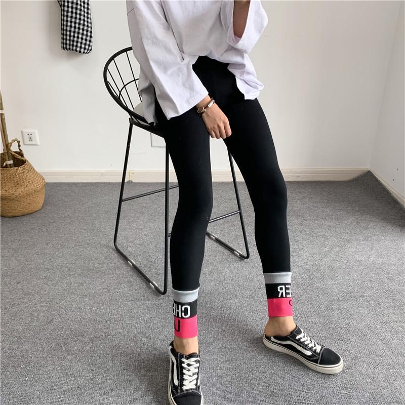 فريدة من نوعها للمرأة كوريا نمط القطن اللباس مصمم أزياء للياقة البدنية ضرب اللون مطاطا للياقة البدنية سيدة GYM عالية الخصر الجوارب تجريب الملابس الداخلية