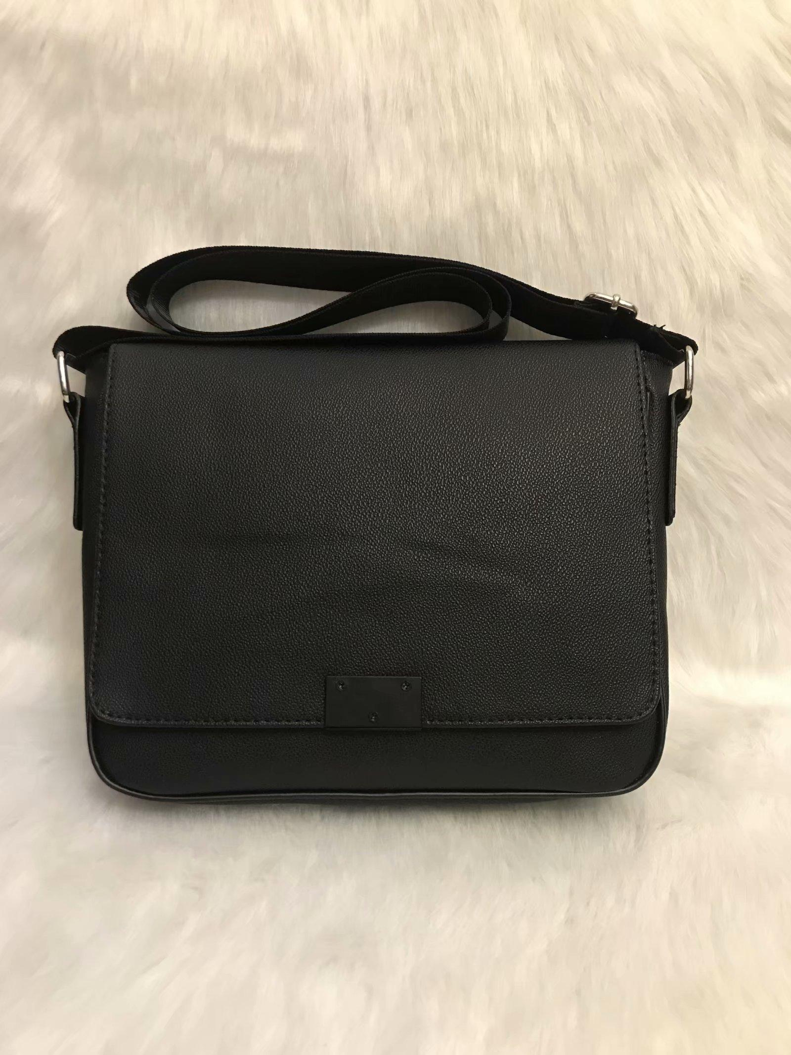 2020 Designer bandouilière hommes Pu cuir sac à main noir Porte-documents Brown Sac épaule portable Messenger Bag 28cm