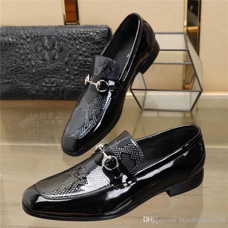 2019 stile Mann spitzschuh kleid schuh italienische designer mens kleid schuhe aus echtem leder schwarz luxus hochzeit schuhe männer niedrige ferse schuhe