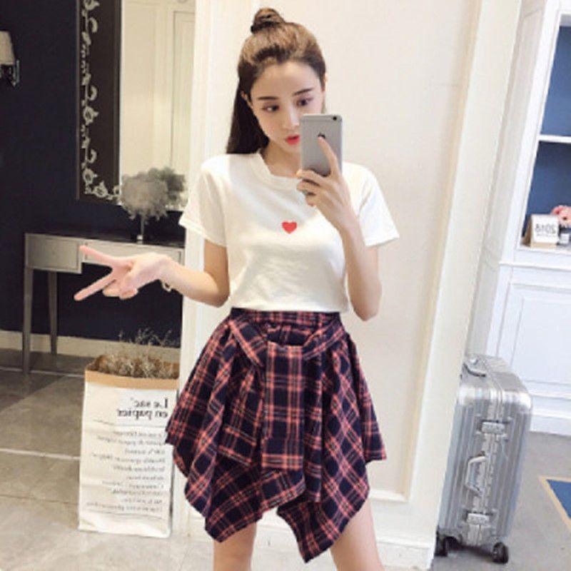 2020 New Verão coreano 2 Piece Set Mulheres de manga curta T-shirt elegante Top + Moda cintura Irregularidade alta rede Short Skirt
