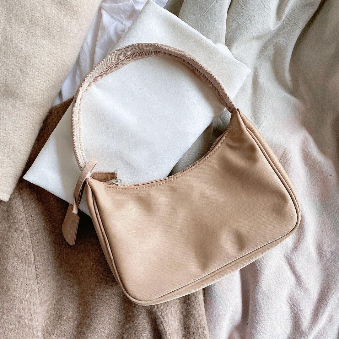 نساء حقائب الكتف حقيبة الرغيف الفرنسي نايلون بيغيني حقيبة يد عالية الجودة متعددة الألوان أكياس
