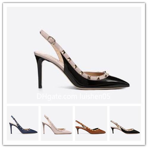 Designer de Sandálias Dedo Apontado Studs saltos altos de Couro de Patente rebites Sandálias Das Mulheres Cravejado Tiras Vestido Sapatos valentine 10 cm de salto alto S60