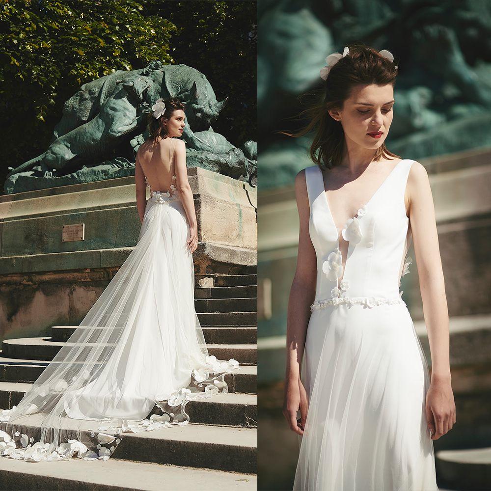 Cymarine Backless A Line Wedding Dresses V profundo Neck mangas Feito à Mão Vestido Flores Chiffon casamento Trem da varredura Robes De Mariée