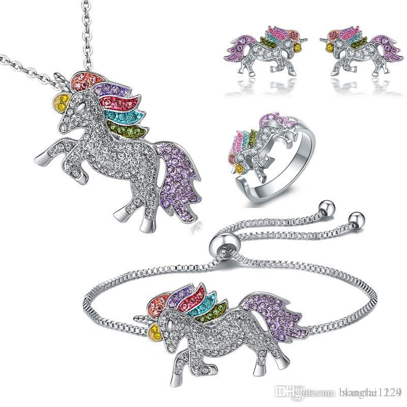 4pcs / lot Monili dell'anello dell'orecchino dell'orecchino del braccialetto della collana dell'unicorno insiemi 925 accessori variopinti dei pendenti di cavallino del diamante d'argento all'ingrosso