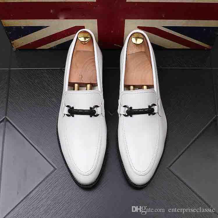 Nova moda Mens Sapatos de Smoking de Couro Envernizado Preto Mocassim Moda Deslizar Sobre Sapatos de Sapato Boss Homens Apartamentos de Negócios