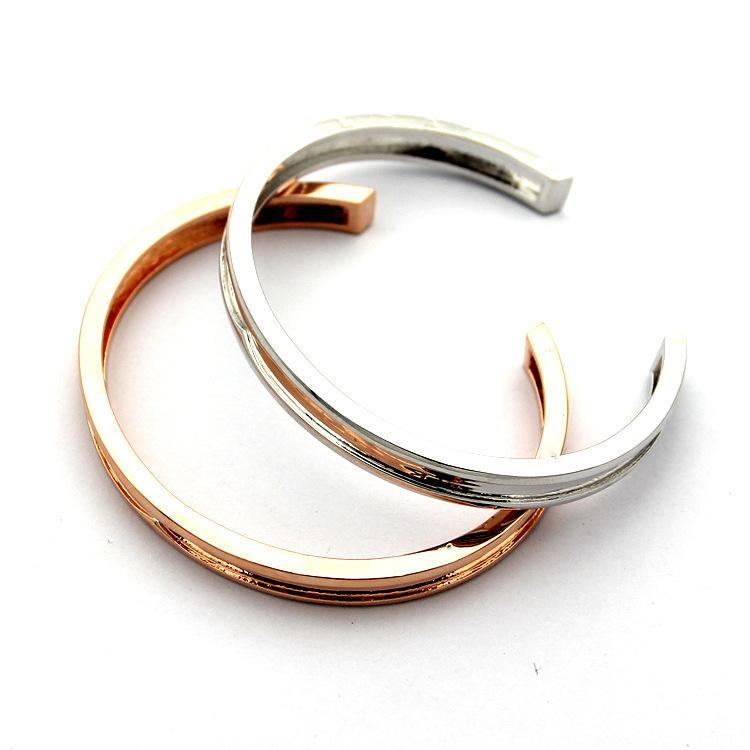 2020 hotClassic acier 316L titane B lettre bracelets couple d'ouverture en forme de C 18K dames d'or aiment les bijoux en gros Livraison gratuite Bracelet
