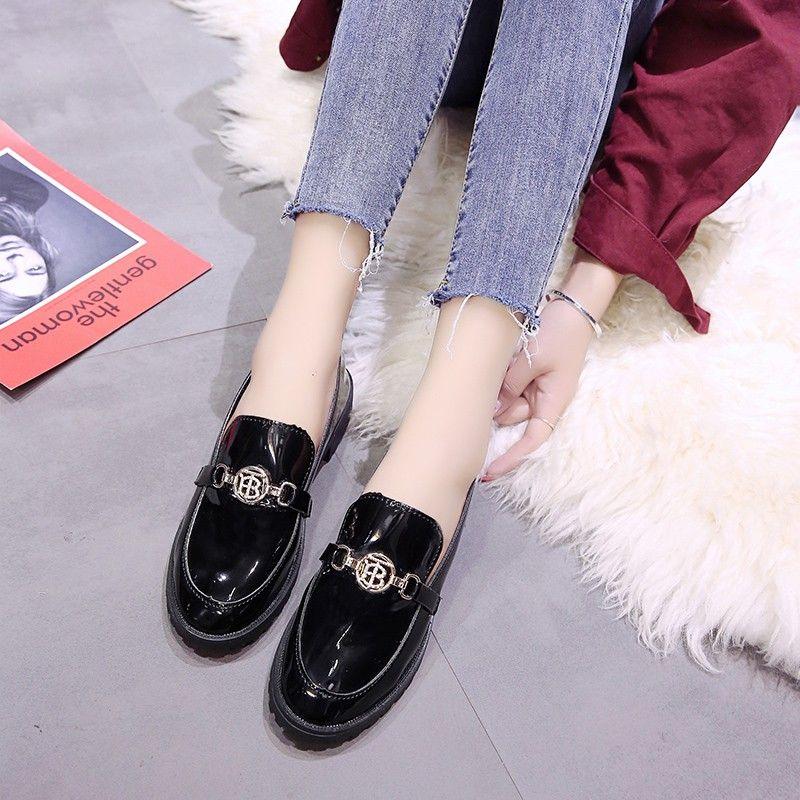 New Oxford pour les femmes Femme Flats Solid Black Patent Slip en cuir sur Chaussures Femme boucle en métal pour dames Chaussures Plus Size