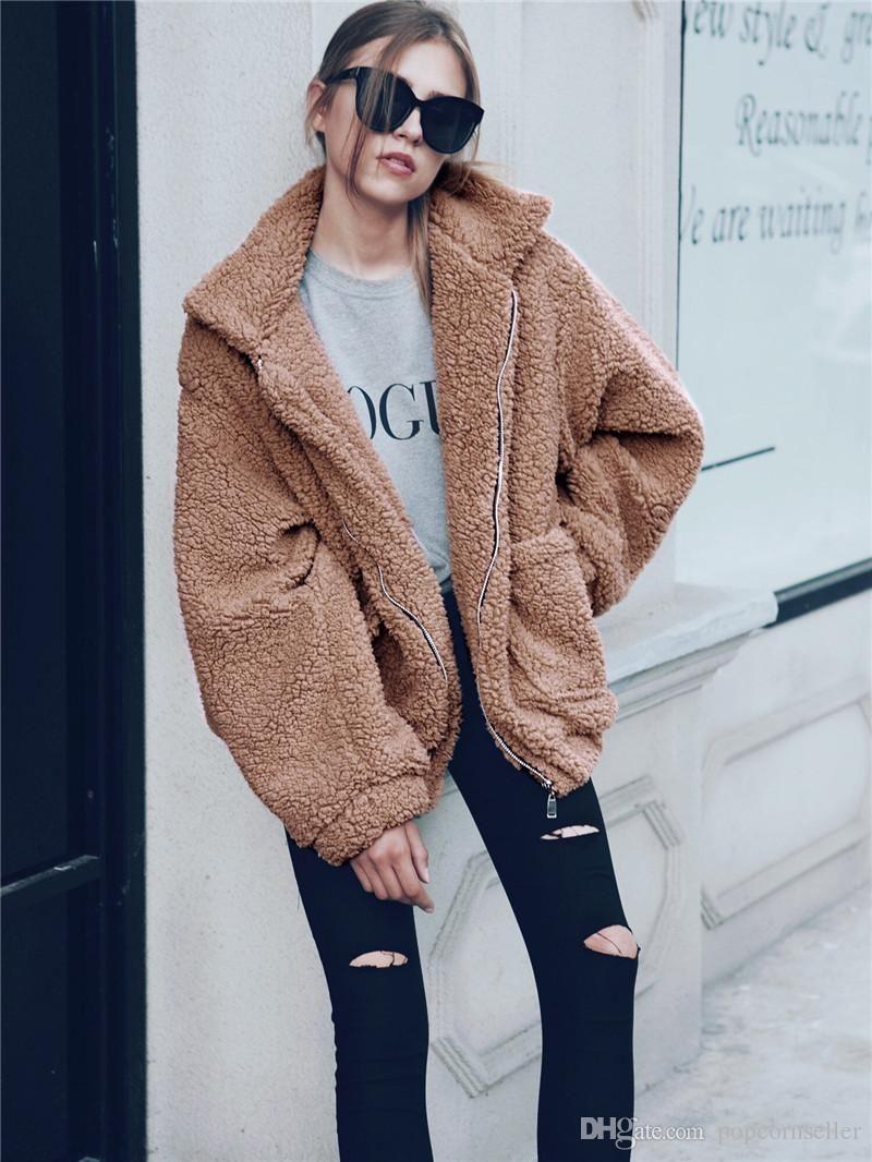 Escudo invierno de las mujeres de la solapa de piel de imitación de la manera del cuello espesado caliente mullido ocasional outwear manga larga Ropa