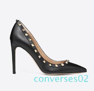 La venta caliente Espárragos punta estrecha zapatos de tacón de charol sandalias de los remaches de las mujeres tachonado de vestir Sandalia con tiras de San Valentín vestido de tacón alto Zapatos CO02