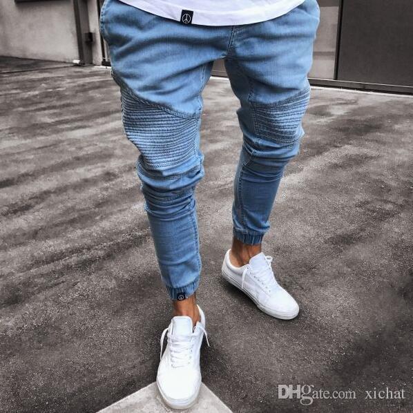 Mens Super Skinny Jeans la luz azul del diseñador de moda plisada con paneles de dril de algodón chándal lavada motorista Stretch Pantalones Lápiz Trousres