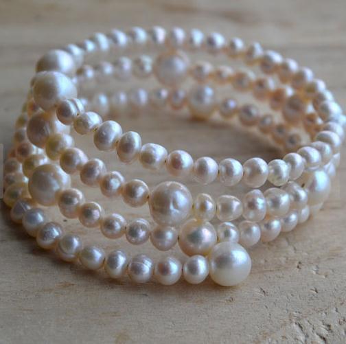 Nouveau Unique Bracelet blanc perle 3 rangées de perles d'eau douce Bracelet de soirée de mariage demoiselles d'honneur Femmes Jewelry Livraison rapide