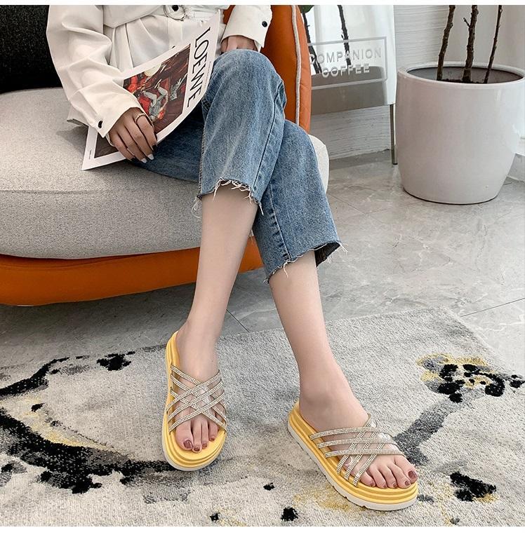 Sandálias e chinelos mulheres 2020 verão nova moda coreana grossas sandálias de fundo e chinelos mulheres usam transparentes chinelos de strass mulheres