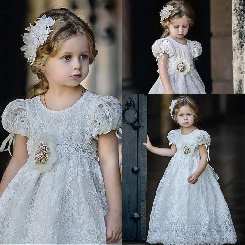 Schöne Blumenmädchenkleider mit Juwel Hals kurzen Ärmeln bodenlangen niedlichen Spitzen ersten Cummunion Kleider 2019