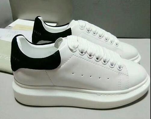 2018 del progettista di lusso degli uomini neri dei pattini casuali delle donne delle scarpe da tennis casuali di cuoio degli uomini delle donne estremamente resistente d09 Stabilità scarpe da tennis