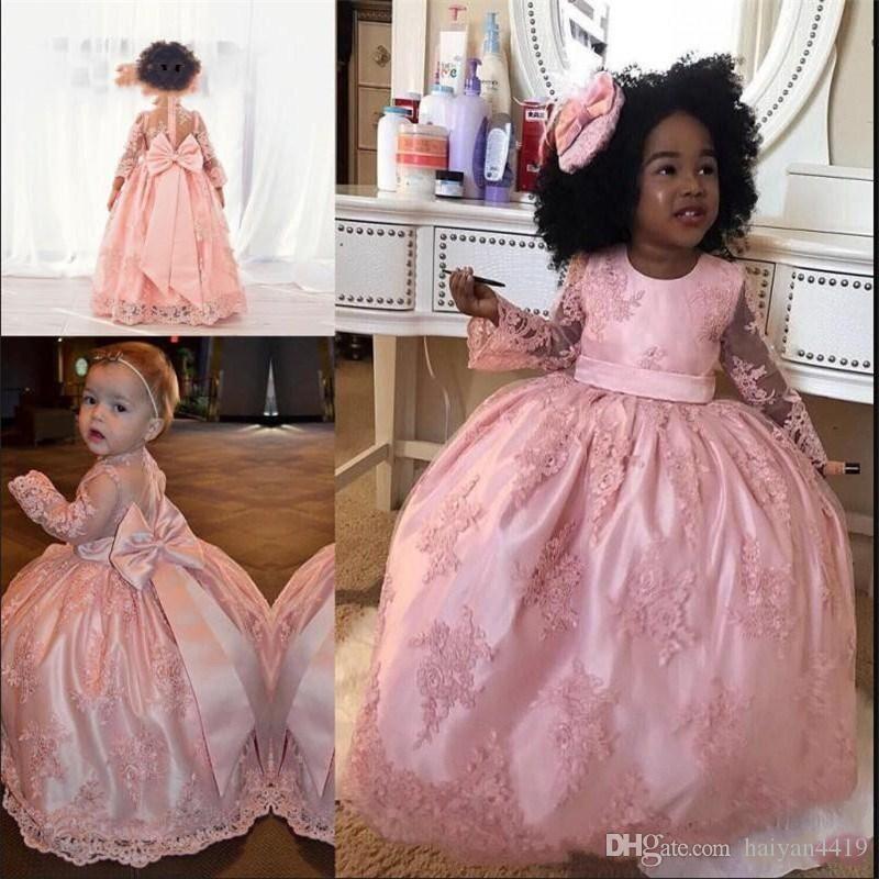 2019 결혼식을위한 새로운 뚱뚱한 핑크 꽃 걸스 드레스 긴 소매 레이스 아플리케 깎아 지른듯한 다시 빅 보우 생일 여아 미인 대회