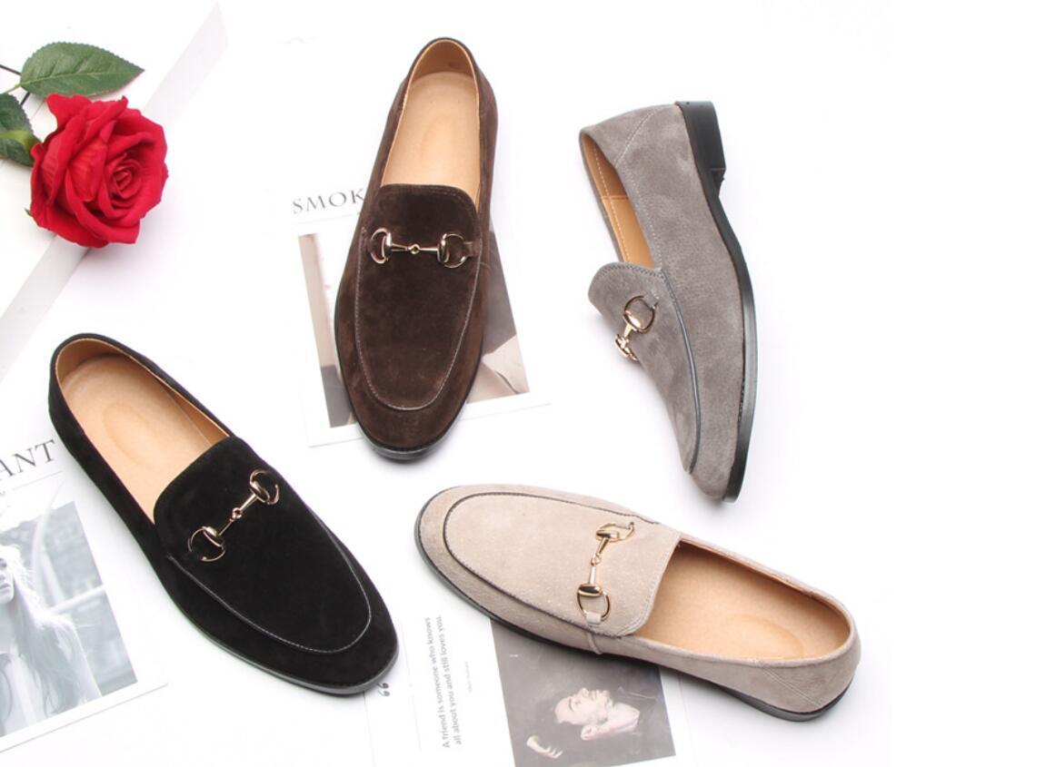 2020 Slip On Suede High Fashion Brown, nero, grigio confortevole piana di modo di prezzi all'ingrosso dei pattini casuali formato 40-47 trasporto veloce