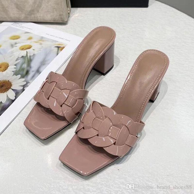 Chanclas pantoufle verano del estilo Nueva manera Europa Estados Unidos remaches arco sandalias zapatos de tacones altos sandalias de las mujeres de alta calidad PP2