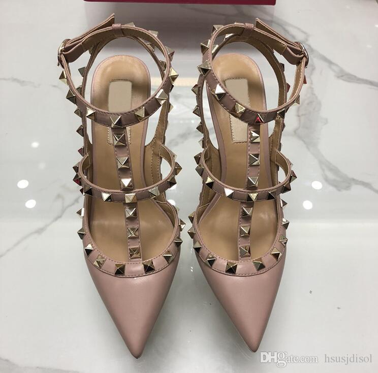 2019 New Hot Nude Women Pump Pumps Sexy Ladies remaches del dedo del pie redondo zapatos de tacón alto hebilla de moda tachonado Sandalias Stiletto 34-43