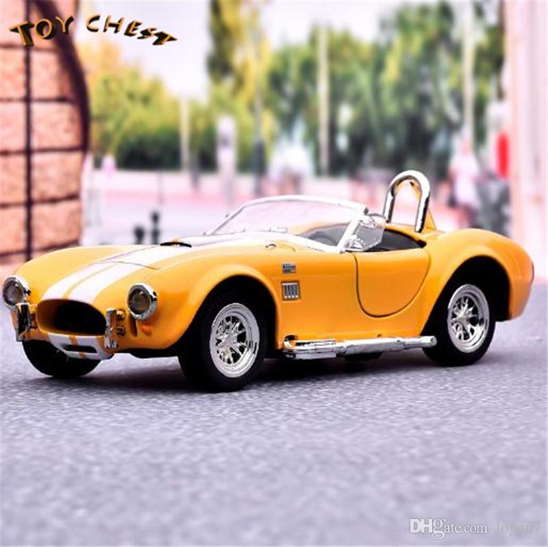 TOY CHEST 1:32 Ford Shelby Cobra Racing Car Two Open Pull Back Alloy Light Up Model Car For Big Kids Free Shipping