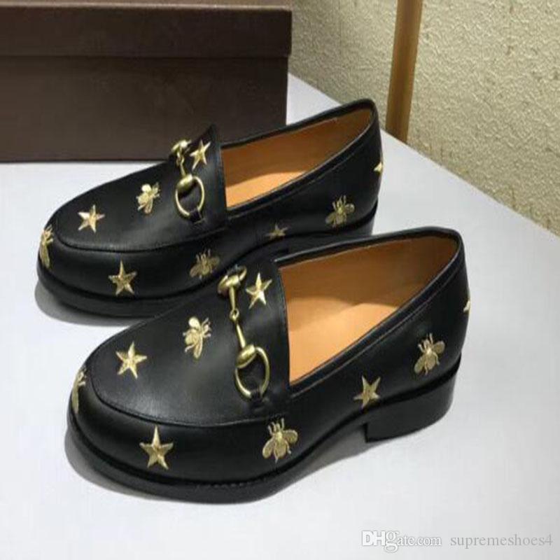 Mens camoscio mocassini scarpe fibbia in metallo Mules classico pantofole Genuine Leather Fashion Princetown stampa Mules diapositive pelliccia pantofole sabbia X44