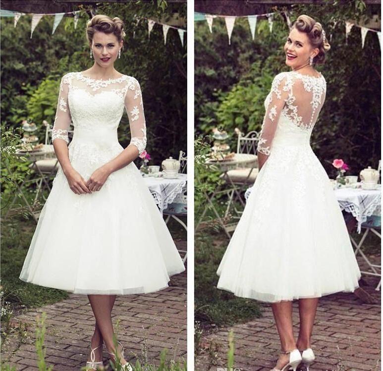 Robes de mariée en dentelle de style vintage des années 50 demi manches tulle dentelle Applique thé longueur robes de mariée mariée avec boutons mariage de pays