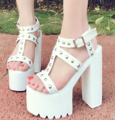 Коренастый пятки сандалии панк обувь на высоких каблуках заклепки платформы сандалии женщин летняя обувь сандалии romanas Женские сандалии