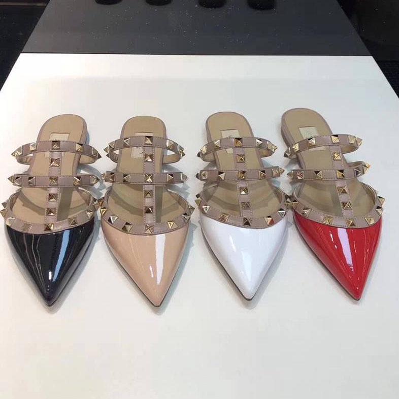 الاخفاف جديد رصع الشقق المرأة النعال مصمم أحذية جلدية مطاط أسود أبيض أحمر أزرق Knite 35-42 مع صندوق
