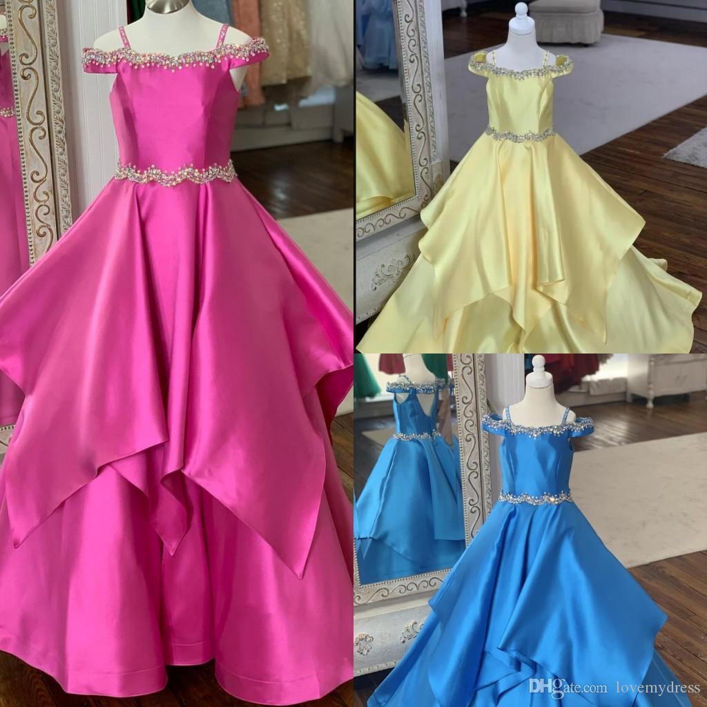 Düğün için Kırmızı Sarı Kraliyet Mavi Prenses Balo Kız Yarışması Elbiseler 2020 Soğuk Omuz Boncuklu Rhinestones Katmanlar Çiçek Kız Elbise