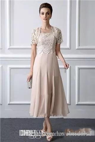 Une élégante ligne mère de la mariée robes à manches courtes en mousseline de soie veste thé longueur robe de mariage Fait sur mesure des clients