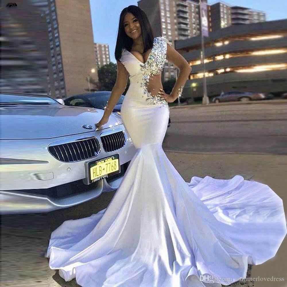 2019 White Deep V Neck Mermaid Long Prom Dresses Sheer Long Sleeves Beaded Crystals Cut out Sweep Train Formal Party Evening Dresses