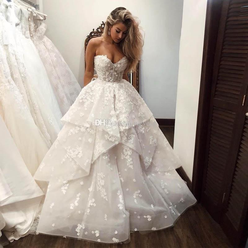 Stylish White Ball Gown Wedding Dresses Sweetheart Ruffles Tiered Skirt 3D Flower Wedding Gown Organza Bridal Dress Robe De Mariee