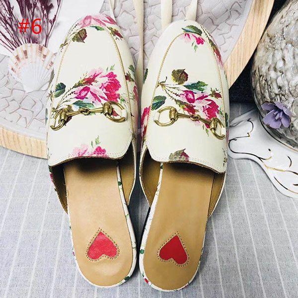 2019 프린트 타운 가죽 슬리퍼 여성 정품 가죽 슬리퍼 플랫 노새 로퍼 버클 컬러 인쇄 숙녀 여름 캐주얼 신발