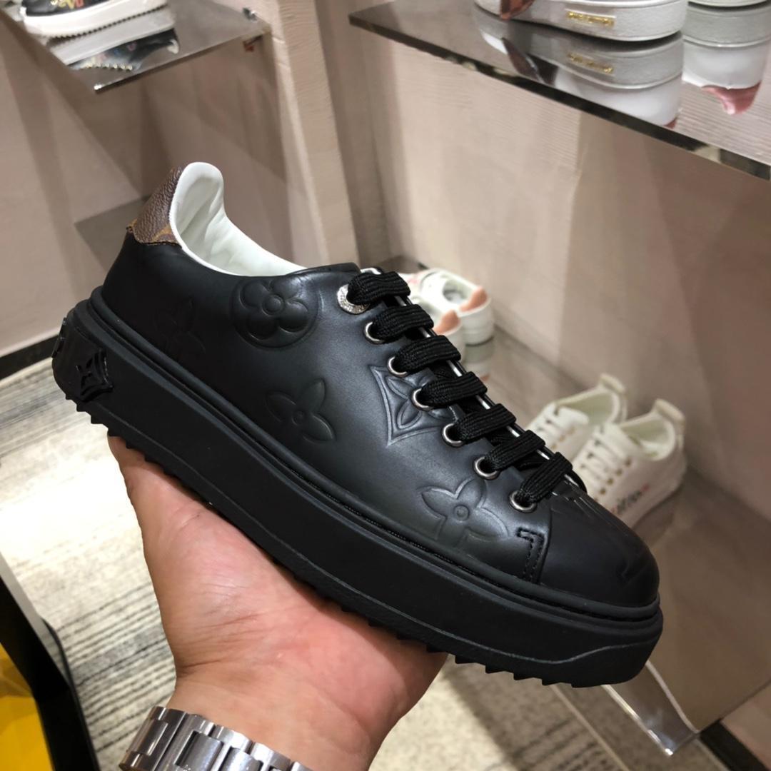 chaussures de luxe 2019 nouveaux femmes de style chaussures de loisirs de sport de sport comfortble plat bas-top femmes chaussures de sport noir