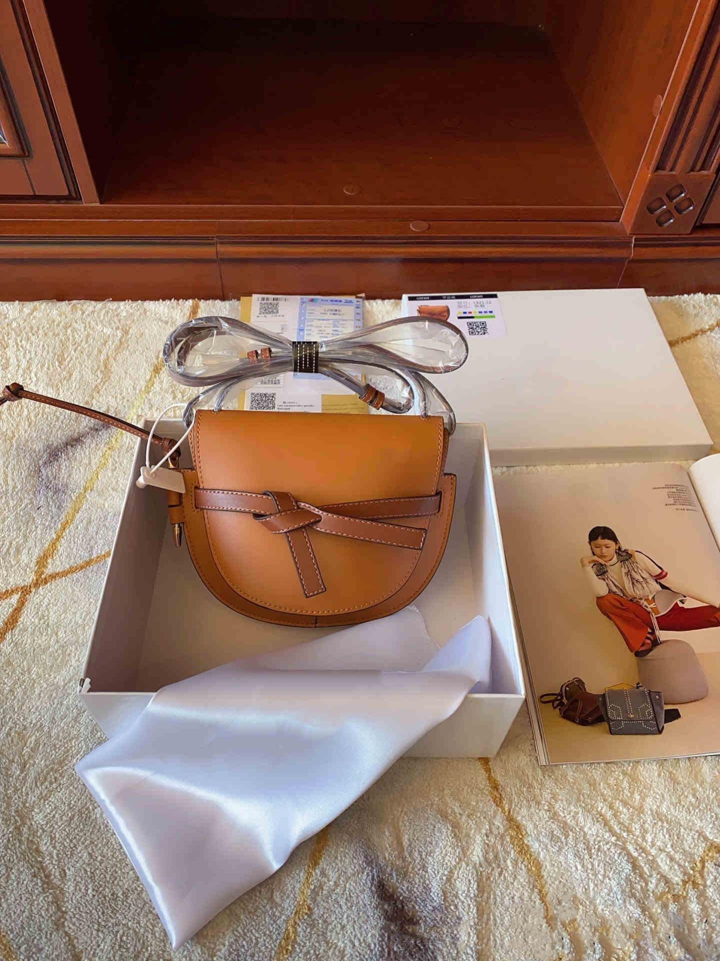 2019 famosi progettista delle donne della borsa nuova di alta qualità del sacchetto di spalla lettera LTS borsa in vera pelle Messenger bag di lusso sella