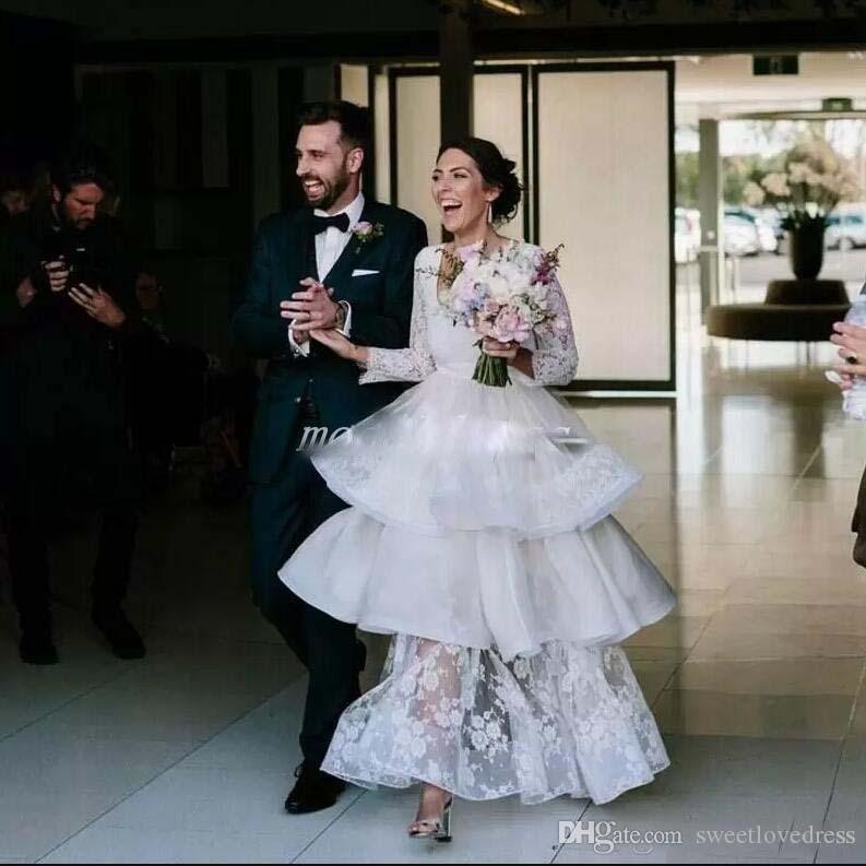 정장 라인 웨딩 드레스 긴 소매 Scoop Neck Appliqued 레이스 국가 신부 가운 맞춤 제작