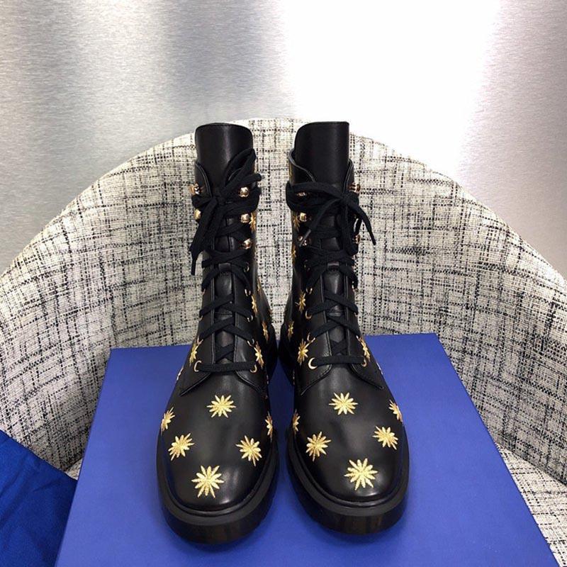 뜨거운 판매 - 신발 패션 영국 부츠 MCKENZEE BOOT IN 가죽 마틴 부츠 라운드 발가락 패션 놓은 발목 부츠 태양 꽃 옷