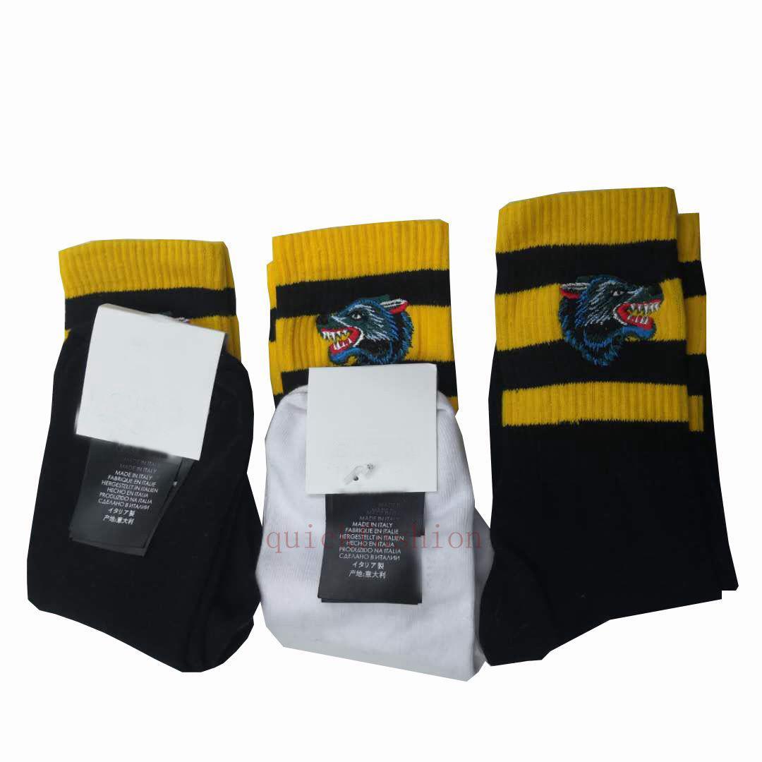 1Pair = 2 pcs longos esporte meias homens mulheres inverno primavera meias estilo rua lobo preto branco cinzento homem meias presente de Natal 1Pair = 2 pcs