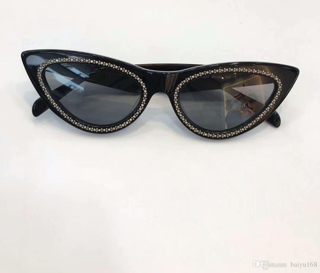 Women Stones Cat Eye Sunglasses Black Frame Grey Shaded Sun Glasses Fashion Sunglasses Shades New with box