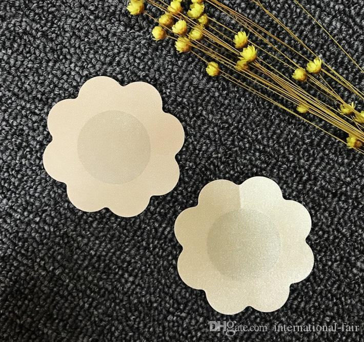 DNC-003 hot estilo pequeno descartável invisível mamilo capa de cor da pele macia flor confortável anti-exposição mama vara fabricantes direto
