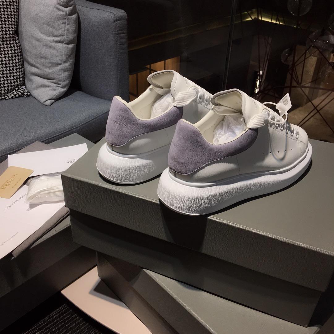 Großhandel Online Plattform Herren Kleid Plattform Schuhe Kleine Weiße Schuhe Und Schwamm Kuchen Design High End Casual Schuhe Originalverpackung