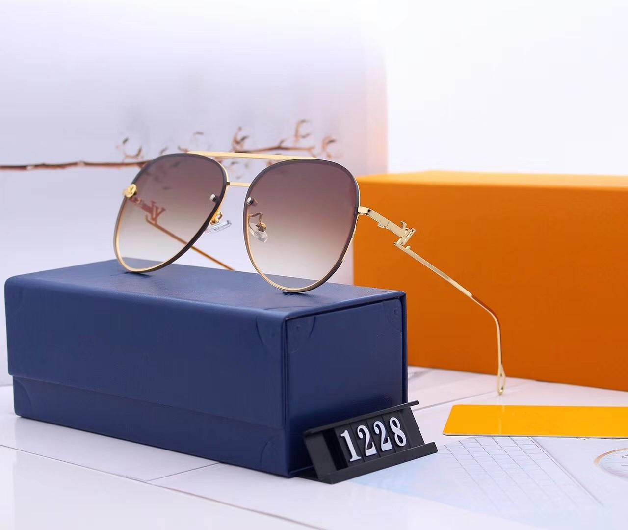 2019 مصمم النظارات الشمسية للمرأة النظارات الشمسية المستقطبة القيادة حملق نظارات الشمس نموذج 1228 جودة عالية مع مربع