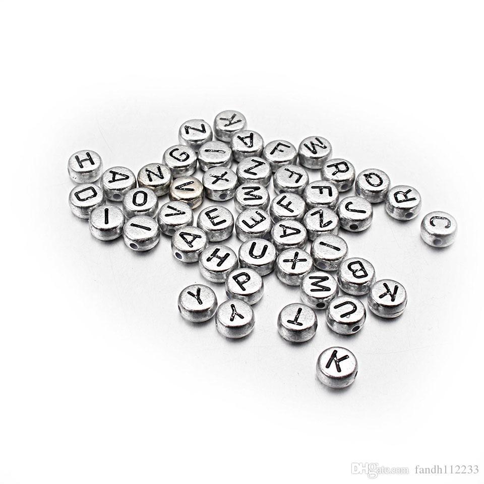 100PCS 7MM Acrílico Mezcla De Plata Letra Del Alfabeto Cubo granos para la fabricación de joyas