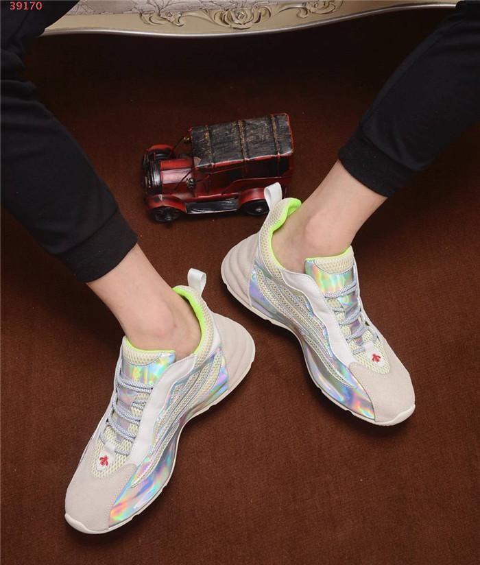 Mens nuevos calzados informales de papá, durante toda la temporada de moda multicolor empalme alto y zapatillas de suela gruesa