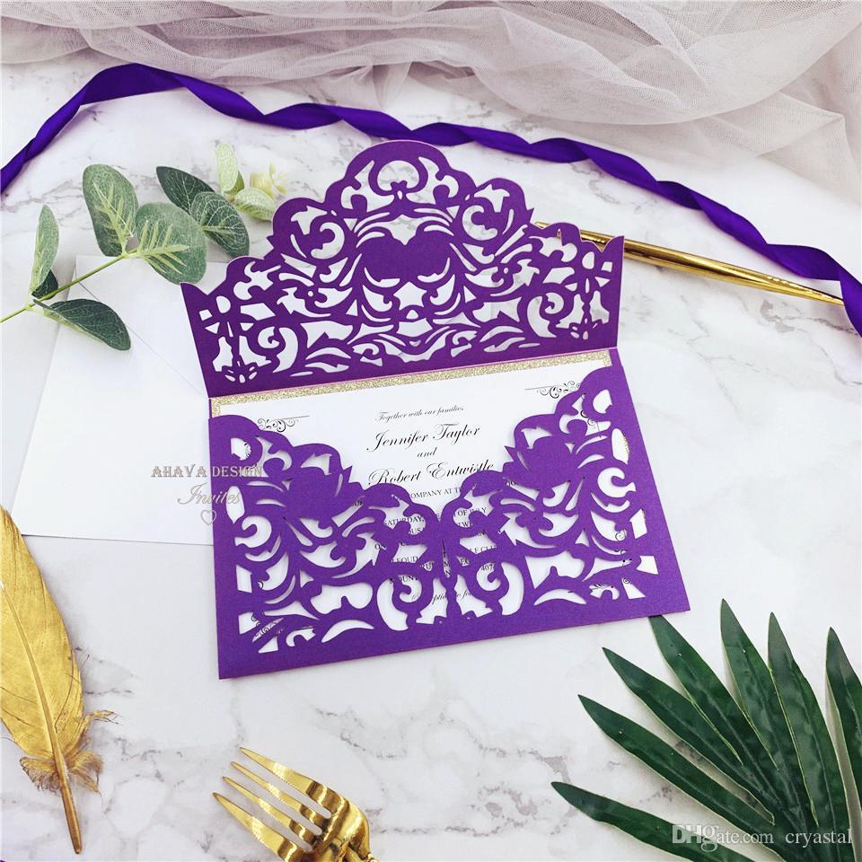Cordialmente Convidando - Shimmer roxo e Glitter Ouro Laser Cut bolso Com personalizado Inserção, pessoal Laser Cut convites de casamento