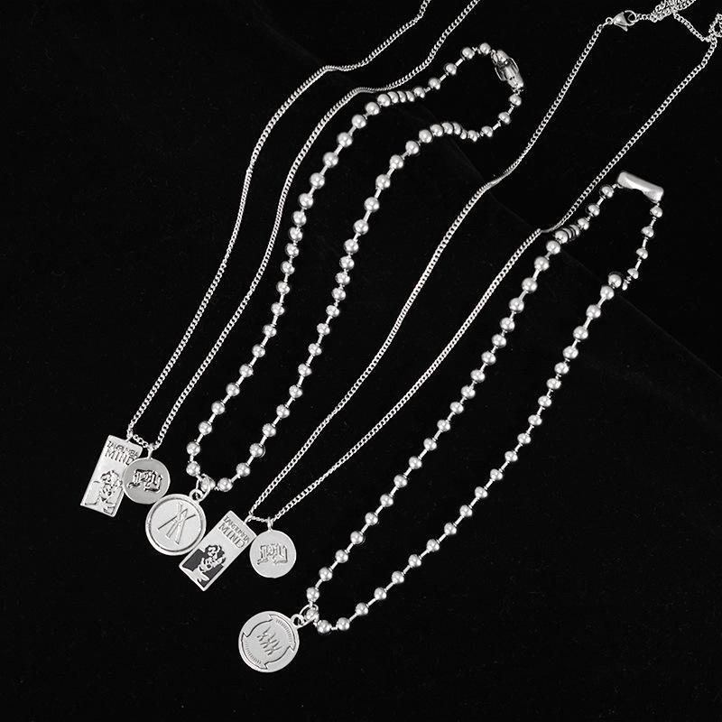 Letters Initial-Halsketten für Frauen Silber Farbe Metall Münze Anhänger Namenskette Dainty Schmuck Geschenke OicRx