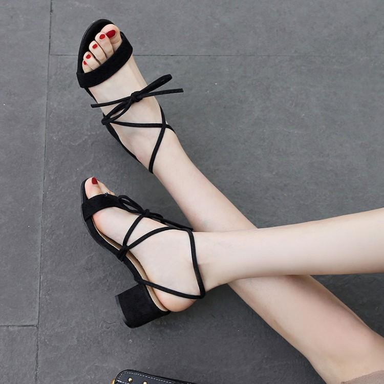 FERLENZ büyük boyutu 8 9 10 11 12 moda Roma ayakkabı ile ince şeritler ve kalın topuklu kayış-açık parmaklı sandalet