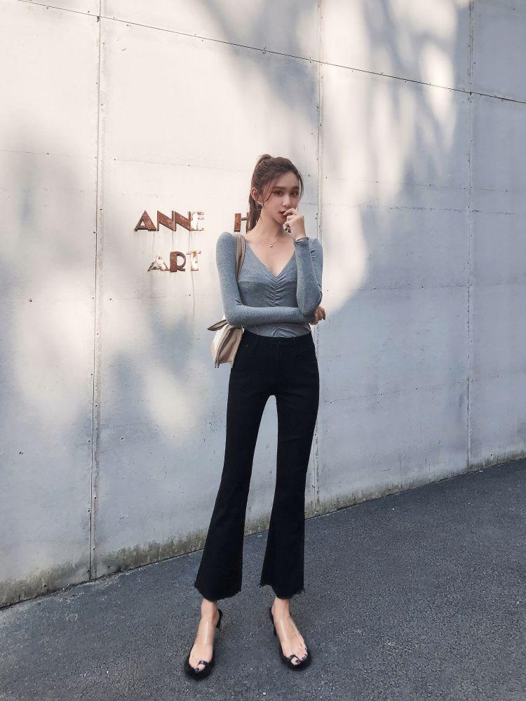 Negro Profundo pesada grano del martillo Bootleg Jeans Mujer bordado