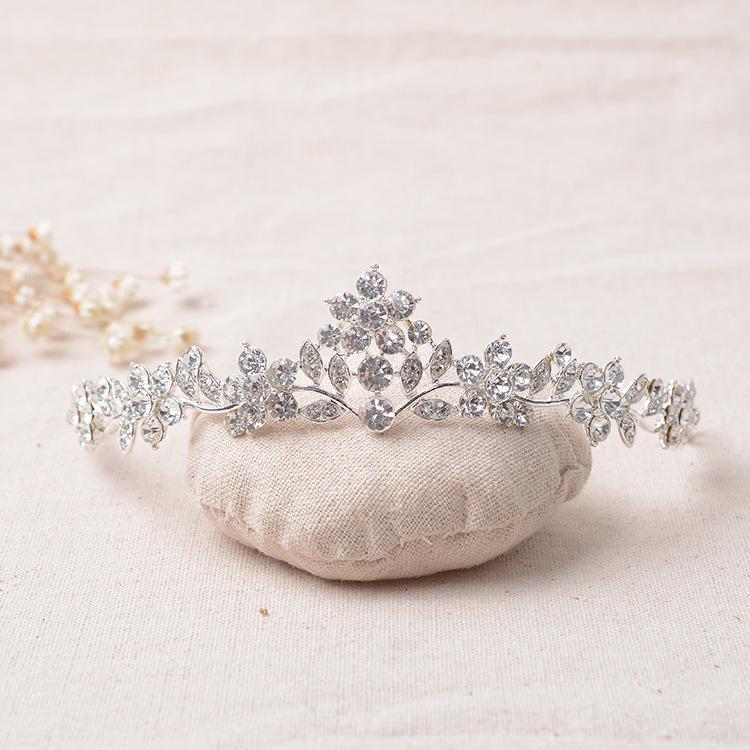 Nuovo arrivo stupefacente strass nuziale diademi da sposa Crystal Crown per i monili d'argento spose Hairbands dei capelli Veil Accessori